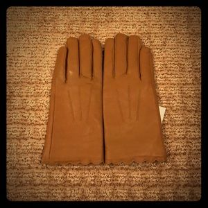 NWT tan leather gloves by a new day